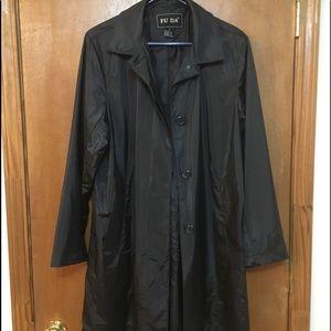 FU DA Raincoat